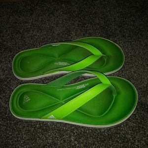 Comfy adidas sandles